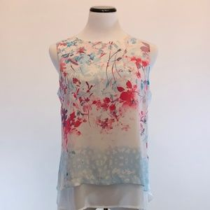{Rose & Olive} Beautiful Floral Top Sz M
